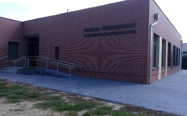 Przebudowa szkoły w Jezierzycach Kościelnych zakończona. Co się zmieniło?